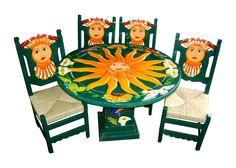 Comedor Sol verde Descripción Diseño: Sol troquelado Color: Verde bandera Asiento: Tejido de tule Mesa: Redonda  4 Personas