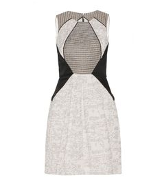 Discover the latest women's dresses from the new Cue collection. Shop our range of black dresses, evening dresses, floral dresses, casual dresses and… Teen Fashion, Fashion Outfits, Casual Dresses, Dresses For Work, Diy Accessoires, Buy Dresses Online, Cool Style, My Style, Ethical Clothing