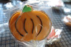 Pumpkin cookie pop