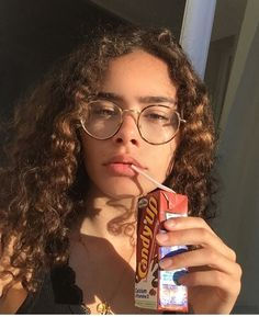Tá perdida? Segue nós @Saturno Pretty Hurts, Pretty Face, Pretty People, Beautiful People, Curly Hair Styles, Natural Hair Styles, Just Girl Things, Aesthetic Girl, Curly Girl