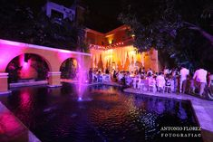 Historic and beautiful colonial houses are perfect venues for a wedding in Cartagena.  #cartagena #colonial