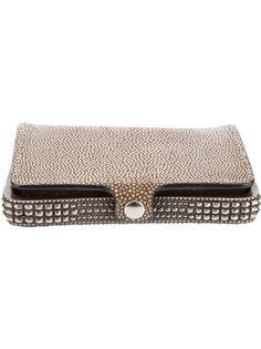 Beige leather clutch bag from Ugo Cacciatori featuring a clasp fastening, metal trim and an internal slit pocket.