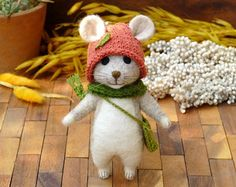 Needle felted mouse by LittleWoolTails on Etsy