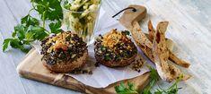 Portobello svampe med quinoafyld - Opskrifter - Arla Portobello, Baked Potato, Quinoa, Potatoes, Baking, Breakfast, Ethnic Recipes, Food, Mushroom