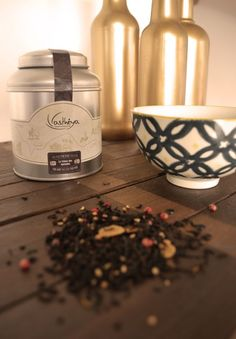 Le trésor des Nomades Un thé noir qui nous emmène aux confins du désert à la rencontre des marchands d'épices pour savourer les mystères de l'orient.