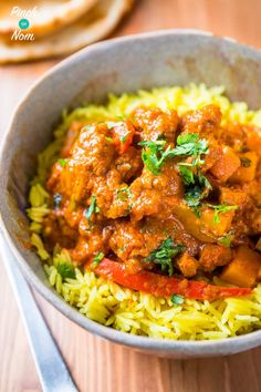 This Syn Free Lamb Rogan Josh Curry has to be one of my favourite Slimming World curry recipes of all time. It reminds me a lot of our Syn Free Balti Curry, and makes the perfect dinner. Slimming World Curry, Slimming World Dinners, Slimming World Recipes Syn Free, Clean Eating Recipes, Healthy Eating, Cooking Recipes, Healthy Recipes, Healthy Food, Healthy Meals