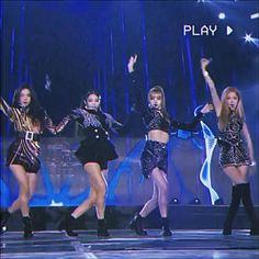 Black Pink Songs, Black Pink Kpop, South Korean Girls, Korean Girl Groups, Blackpink Twitter, Pink Movies, Dance Kpop, Most Viral Videos, Blackpink Funny