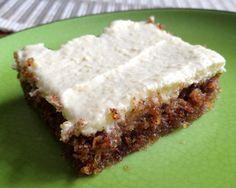 Morotskaka är ett av mina favoritbakverk, och nyligen testade jag att göra den här varianten där man använder sig av mandelmjöl istället för vetemjöl eller mjölmix. Den blev tunnare, saftigare, mju… Vegan Gluten Free Desserts, Gluten Free Cakes, No Bake Desserts, Raw Food Recipes, Sweet Recipes, Keto Friendly Desserts, Baking Flour, Lchf, Fabulous Foods