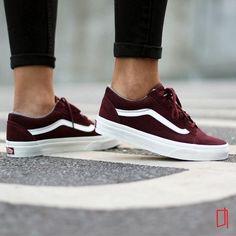 """Vans """"Old Skool Pro"""" Sneakers (Port/White)"""