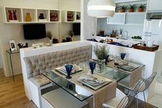 cadeira aramada Studio Living, Condo Living, Apartment Living, Small Apartments, Small Spaces, Bachelor Pad Decor, Sweet Home, Muebles Living, Kitchen Dining Sets