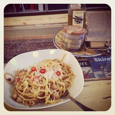 Spaghetti with scallops, chili and fresh grated parmasan
