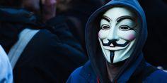 """Erster Erfolg im Kampf gegen Terror-Organisation: Anonymous enttarnt IS-Kämpfer Erst gestern hat das Hacker-Kollektiv Anonymous den Terroristen des IS den Kampf angesagt - heute vermelden die Aktivisten schon erste Erfolge. Das berichtet der britische """"Independent&qu"""