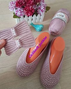 Image may contain: shoes Fur Slides, Pool Slides, Sandals, Shoes, Instagram, Image, Fashion, Crochet Shoes, Fuzzy Slippers