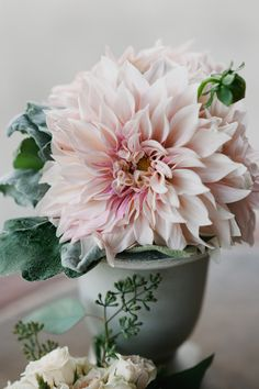 blush pink dahlia centerpiece  Photography By / ohdarlingphotography.com, Floral Design By / bloom-room.com
