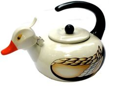 Duck Teapot - My Mom would have loved this.