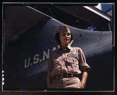 Gorgeous coloured images of women at war - http://www.thevintagenews.com/2015/03/10/gorgeous-coloured-images-of-women-at-war/