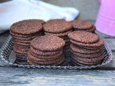Godaste kakorna för oss som gillar nutella. Enkla att baka är de också och perfekta att förvara i frysen, de tinar på ett kick!