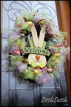 Easter wreathg by Dittle Dattle - step by step instructions