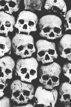 The embodied divine must travel into the realm of death, loss, failure, temptation, and doubt to find its calling. Gothic Wallpaper, Skull Wallpaper, Art Background, Background Patterns, Relationship Images, Creepy Pictures, 1 Tattoo, Black And White Background, Human Skull