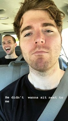 ryland looks so happyyy😂😂💞💞 Shane Dawson Memes, Shane Dawson And Ryland, Shawn Dawson, Celebrity Dads, Celebrity Weddings, Funny Art, Funny Memes, Jokes, Dodie Clark
