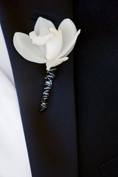 White Orchid Boutonniere / Love the textured wire <3