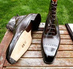The notorious Highlander taken back in the summer. Never miss a pair of Vass using tags: Each pair of Vass shoes are uniquely. Ascot Shoes, Mens Shoes Boots, Mens Boots Fashion, Leather Shoes, Men's Shoes, Shoe Boots, Gentleman Shoes, Dream Shoes, Dress With Boots