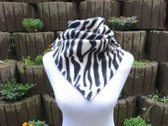 Fleeceschals - Schal Wickelschal Fleece Zebra - ein Designerstück von lucylique bei DaWanda