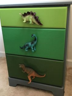 Dino Dresser Makeover – With a Wink and a Smile - All About Decoration Dinosaur Kids Room, Dinosaur Room Decor, Dinosaur Bedroom, Dinosaur Dinosaur, Diy Dresser Makeover, Furniture Makeover, Dresser Makeovers, Boy Dresser, Dresser Ideas