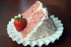 The best Strawberry Cake (Paula Dean Recipe)