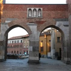 PUSTERLA DI SANT 'AMBROGIO - via Carducci - #milano #milan BUILT  IN 1171 AND RESTORED IN 1939 -IT WAS ONE OF THE TEN SECONDARY GATES OF MILAN MEDIEVAL WALLS. #ipusterla #pusterladisantambrogio #medieval #medievale #milanomedievale #milanodascoprire #milanodaclick #milanodavedere by nuovalaura