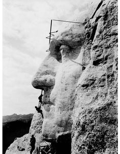 Picture of the Day: Picking Washington's Nose at Mount Rushmore