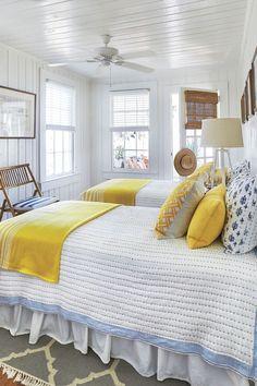 Beach House Bedroom, Home Bedroom, Beach House Furniture, Beach Cottage Bedrooms, Home Furniture, Twin Bedroom Ideas, Beach House Interiors, Small Cottage Interiors, Cottage Bedroom Decor