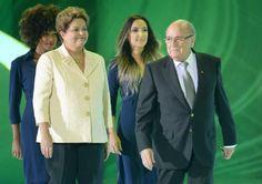 PK202 FSS. Costa Do Sauipe (Brazil), 06/12/2013.- FIFA-president Sepp Blatter and President of Brazil, Dilma Rousseff, on the stage during t...