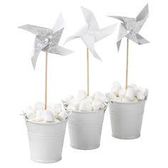 Elegantes molinilllos de papel en color blanco.Perfectos para decorar en una ocasion especial. https://www.mommas.es/product/guirnaldas-y-molinillos/molinillos-blancos-s-air/