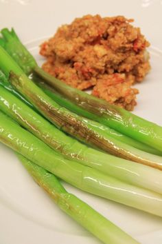 Fried Spring Onion with Romesco Sauce: My Finnish Delights Blog