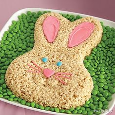 Create an egg-stra adorable and easy Bunny Crispy Rice cake! Click through to follow our step-by-step tips!
