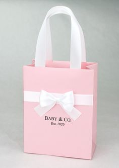 Baby & Co. gift bag with satin ribbon handles, bow and custom name, Elegant Baby Shower favor bags for guests, Breakfast at Tiffany party - Web 2020 Best Site Gold Wedding Favors, Wedding Gift Bags, Party Gift Bags, Wedding Favor Boxes, Gifts For Wedding Party, Bridal Shower Favors, Birthday Party Favors, Baby Birthday, Birthday Gifts