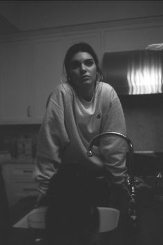 Kendall Jenner Black And White Photography Grey Sweater Minimalist Casual Style . Kendall Jenner Black And White Photography Grey Sweater Minimalist Casual Style Big Hoop Earrings Kendalll Jenner, Kardashian Jenner, Kardashian Kollection, Kendall Jenner Outfits, Kendall And Kylie Jenner, Kendall Jenner Bedroom, Kendall Jenner Wallpaper, Kendall Jenner Instagram, Le Style Du Jenner