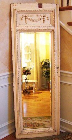 Trocou as portas da casa? Tem algumas portas velhas e não sabe o que fazer com elas? Aqui vão algumas ideias que podem se adaptar perfeitamente à sua casa!