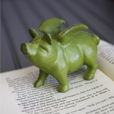 When Pigs Fly Cast Iron Metal Paperweight Green $12