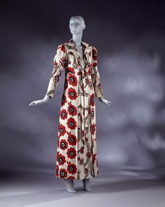 Floating Daisy; Poppy | Clark, Ossie | V&A Search the Collections