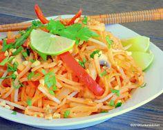 Klunker's Plant-Based Kitchen: Vegan Pad Thai