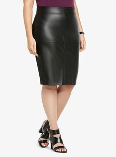Real talk time: this black midi skirt has a super sexy edge. A faux leather front panel, a figure-flattering ponte back panel and an oh-so-sharp pencil silhouette - this one's ready to go out.%0A