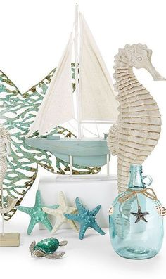 Where to buy nautical decor. DIY nautical decor ideas you can easily make on a budget. Get motivated by the best nautical styles and bring a captivating atmosphere into your home. Beach Cottage Style, Beach Cottage Decor, Coastal Cottage, Coastal Homes, Coastal Style, Coastal Decor, Beach Themed Decor, Beach Style Bedroom Decor, Beach Apartment Decor