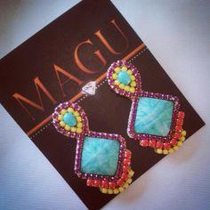 Zarcillos #zarcillos #pendientes #aretes #brinco #earrings #orecchini #designersvenezuela #talentovenezolano #handmade #diseñovenezolano #accesorios #hechoenvzla #hechoamano #madeinvzla_ #magujoyas #accesorios #venezuelacreativa #hechoentricolor #vitrinahechoenvenezuela