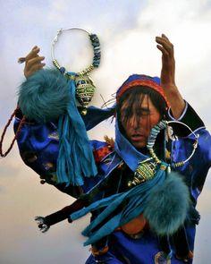 CREOLES MONGOL - BOUCLES D'OREILLES MONGOL - MONGOLIE - SOIE ET PIERRES DE GEMMES : Boucles d'oreille par fujigirls