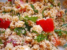 g Couscous 600 ml water 2 TBSP tomato paste 2 TBSP of vegetable broth, granulated, 1 b Salad Recipes, Snack Recipes, Dinner Recipes, Couscous Salad, Cobb Salad, Party Buffet, Sauerkraut, Fried Rice, Stuffed Peppers