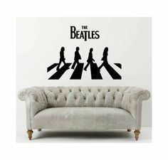 Décalque de mur d'Abbey Road des Beatles - bandes de musique préférés pour votre salon ou votre décor emblématique de pièce de jeu par cutnpasteshop sur Etsy https://www.etsy.com/fr/listing/230928868/decalque-de-mur-dabbey-road-des-beatles