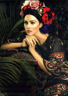 Woman Crush Wednesday: Monica Bellucci - Style Inspiration, Quotes and more! Woman Crush Wednesday: Monica Bellucci - Style Inspiration, Quotes and more! Monica Bellucci, Sienna Miller, Keira Knightley, Harpers Bazaar, Italian Actress, Sexy Girl, How To Pose, Julia, Eminem