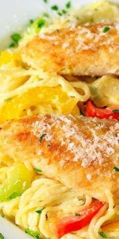 This Chicken Scampi Recipe is bursting with flavor from the white wine sauteed peppers Italian spices and rich white sauce. Its also super easy and quick to make! Chicken Pasta Dishes, Chicken Recipes, Recipe Chicken, Creamy Pasta, Creamy Chicken, Sauteed Peppers, Chicken Patties, Italian Spices, Shrimp And Asparagus